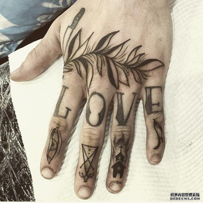 手指叶子纹身图案