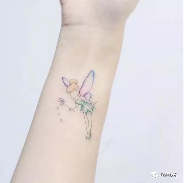 手腕精灵纹身图案
