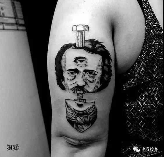 大臂抽象男生纹身图案