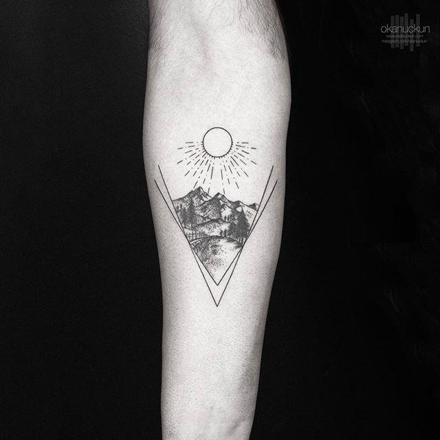 小臂点刺山风景纹身图案