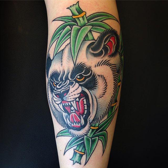 小腿大熊猫竹子纹身图案